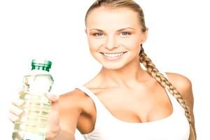 Детоксифицируйте свое тело водой, натуральными соками, чаями и супами